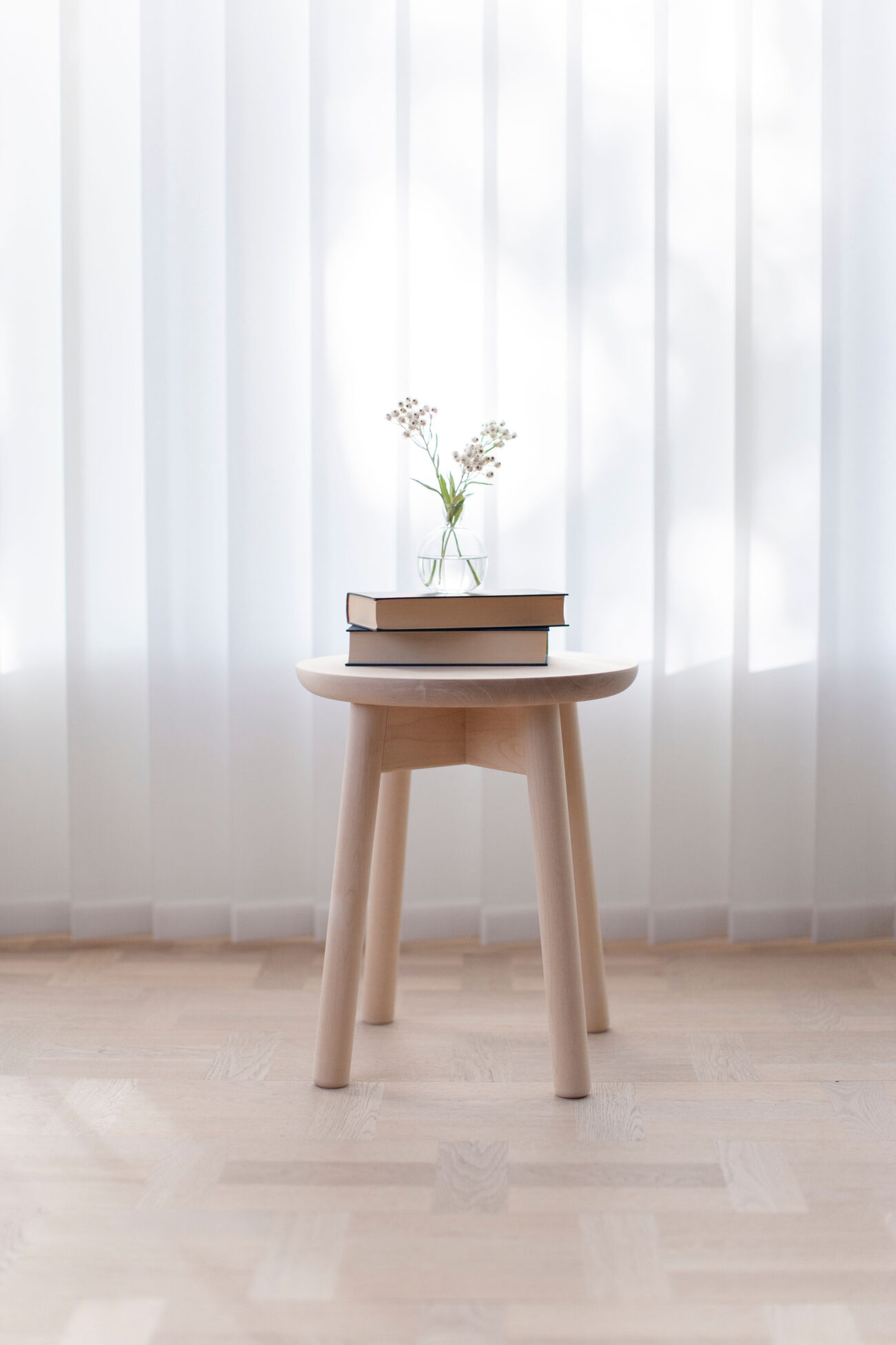 Stool in birch or pine in different colors.